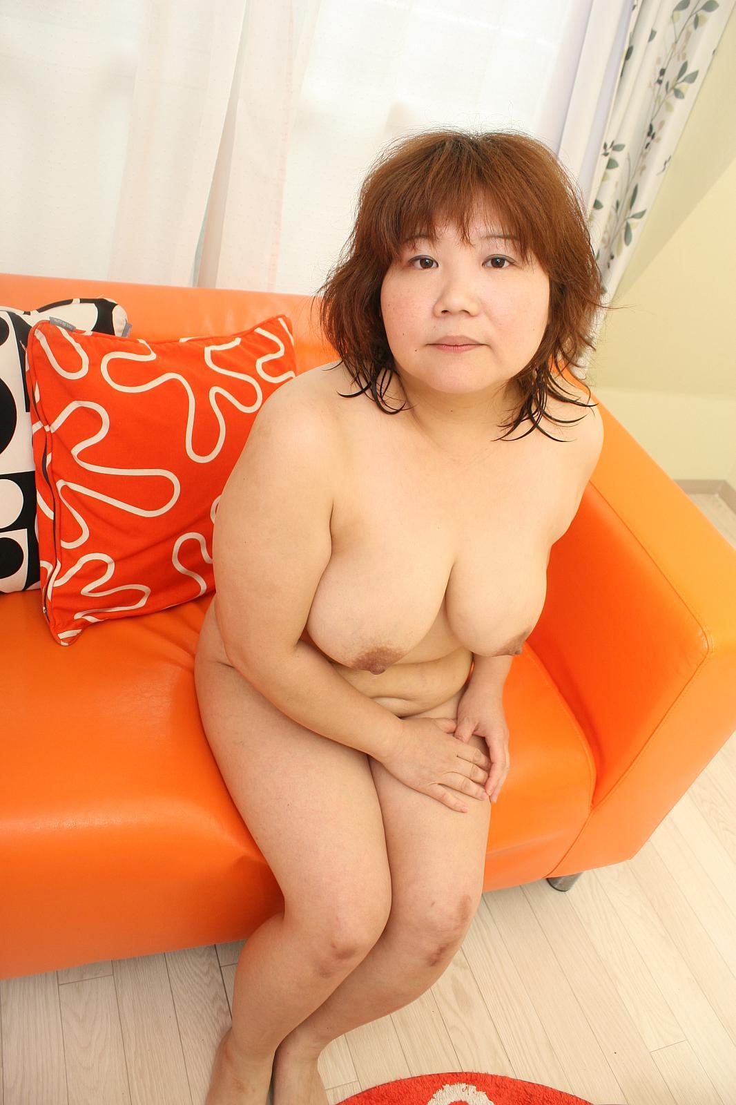 Japanese Granny Sex - Horny Japanese granny Kumiko Kaga teasing his man\\'s cock before it