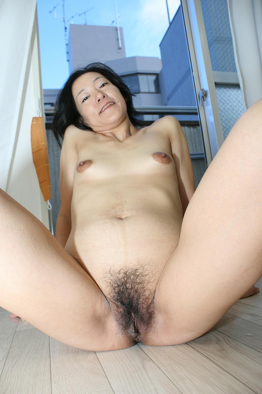 Japan granny nude, claire forlani video porno