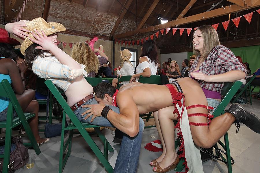 girls-fucking-male-strippers-miranda-cosgrove