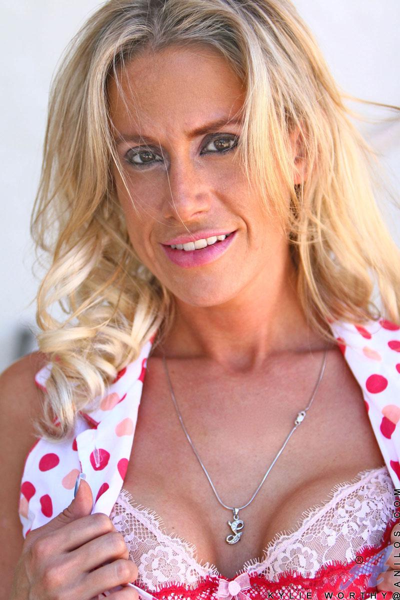 mature-blonde-her-dildo-and-girl-nadia-bjorlin-nude-scene-uncencored