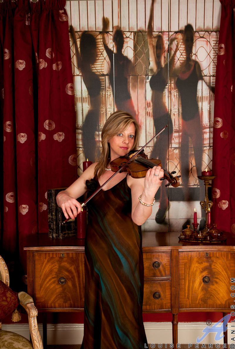 real-chubby-nude-girl-playing-violin-pussy-xxx-saxy-photo