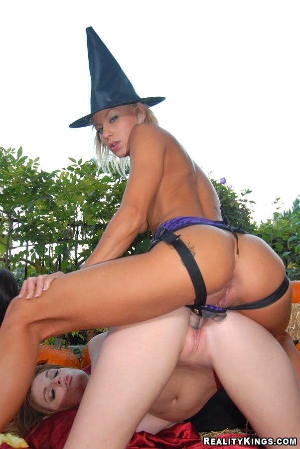 Halloween pussy sex
