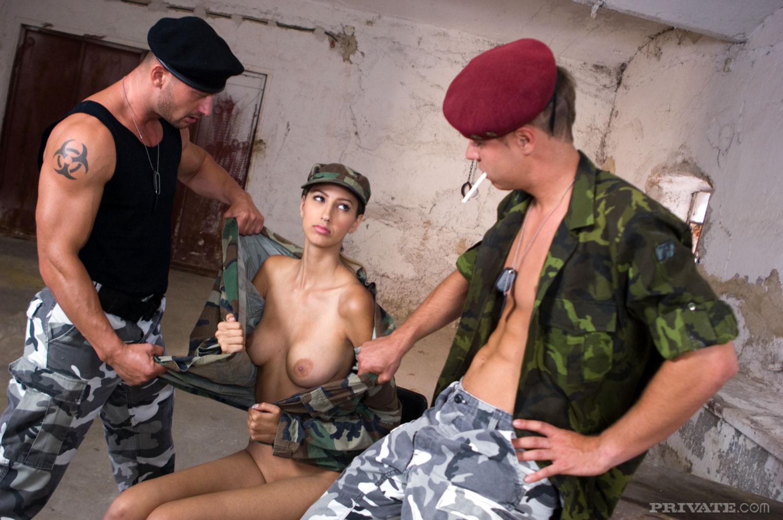 armiya-zhenshini-porno