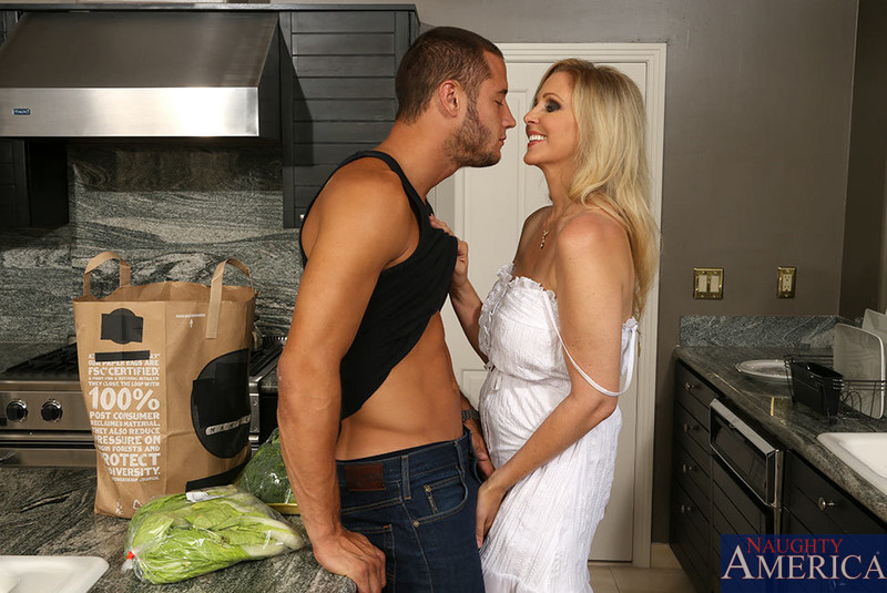 Grocery delivery guy sex