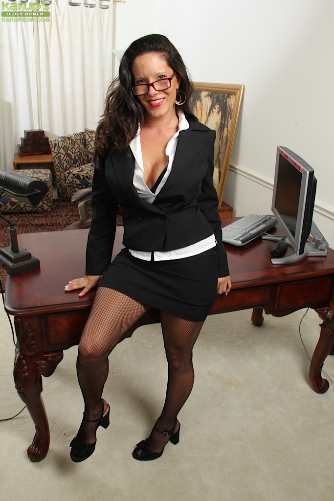 Naked Secretary strips