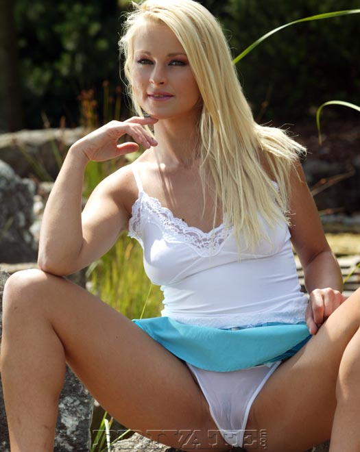 Photos and other blondes in short skirts xxx