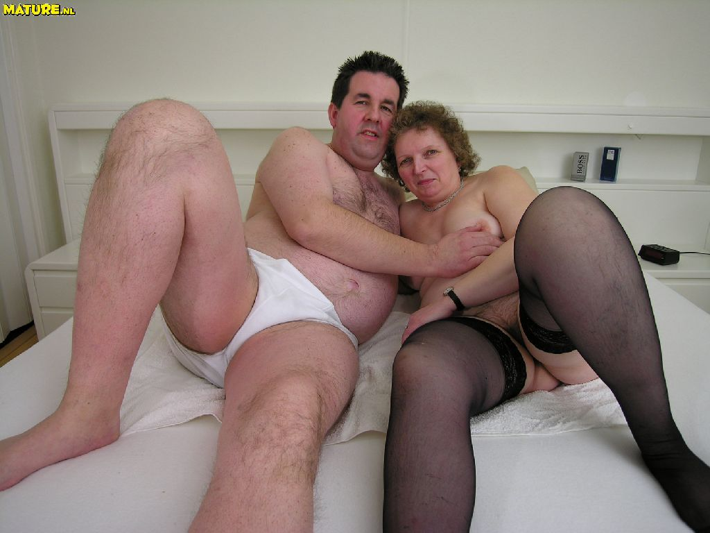 Free mature couples having sex
