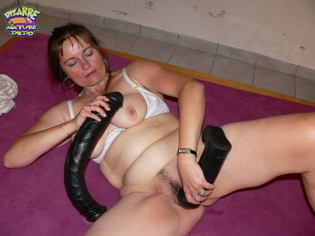 Squirting Dildo See This Hot Mature Slut Fucking Her Huge Dildo